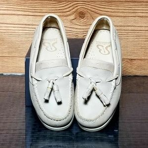 Shoes - Womens Loafers